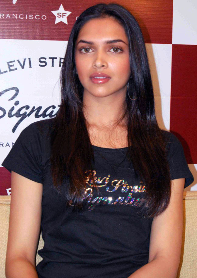 Celebrity clothing lines online