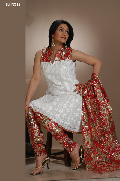 Eye Catching Churidar Printed Salwar Kameez Sleeveless