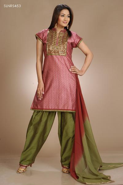 Hairstyles For Short Hair On Salwar Suits : Indian Pretty Salwar kameez short kurta - SheClick.com