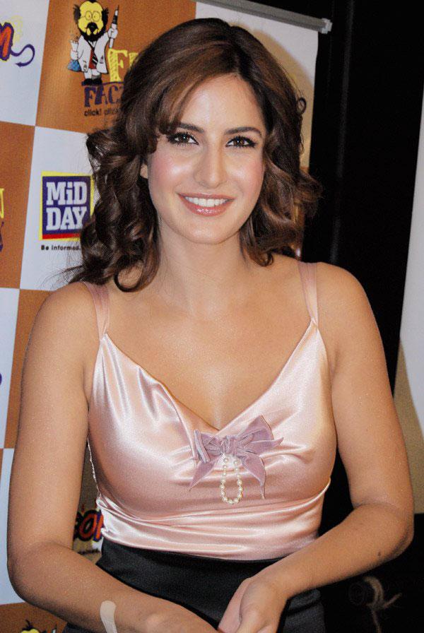 Katrina Kaif Sexy Dress Wallpapers Sheclick Com