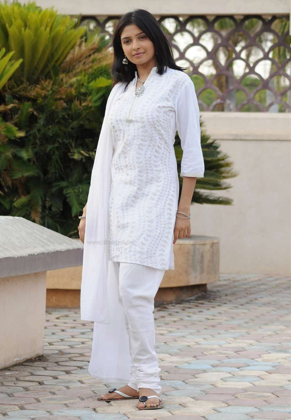 White Salwar Kameez Latest Styles Sheclick Com