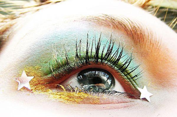 dramatic eye makeup. glittery eye makeup. range of