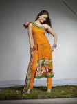 firdous-lawn-collection-2010-kareena-kapoor-2