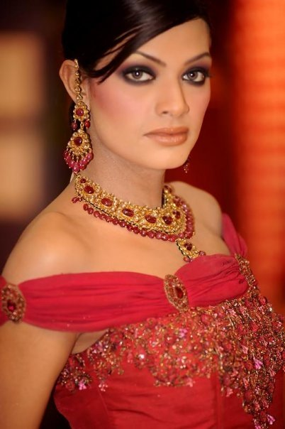 indian bridal makeup tutorial. -Indian-Bridal-makeup