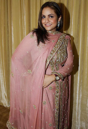 Nadia In Pink Drees Sheclick Com