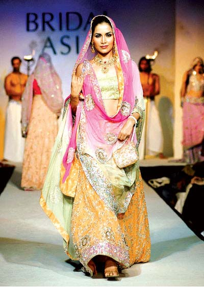 Latest Mehndi Dress in Pakistan - ~Mehndi Dresses 4 Dulhan ;;)~