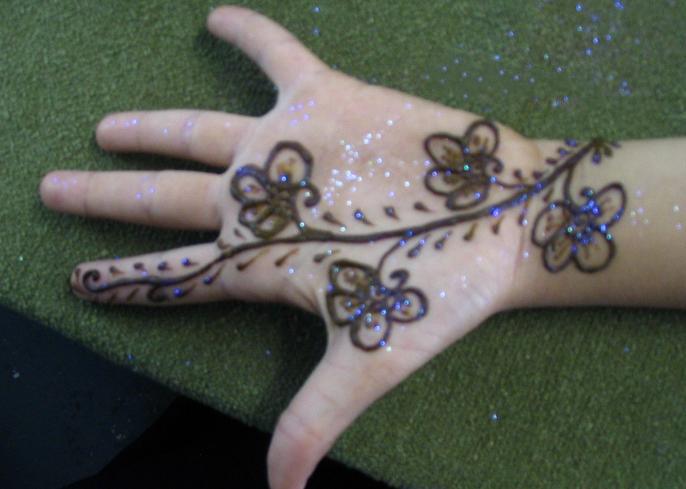 Mehndi Designs For Children Sheclick Com