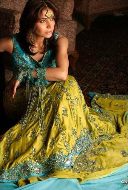 Mehndi Dress Style - ~Mehndi Dresses 4 Dulhan ;;)~