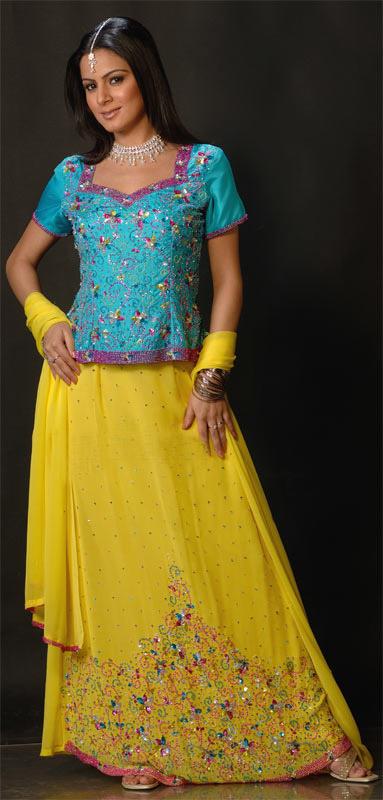 Mehndi Dresses Gallery - ~Mehndi Dresses 4 Dulhan ;;)~