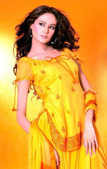 Mehndi Dresses in Pakistan - ~Mehndi Dresses 4 Dulhan ;;)~