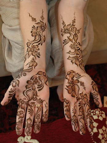 Modern Mehndi Designs For Party