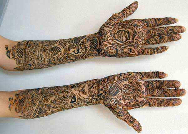 Traditional Mehndi Designs Photos : Traditional mehndi designs for girls sheclick