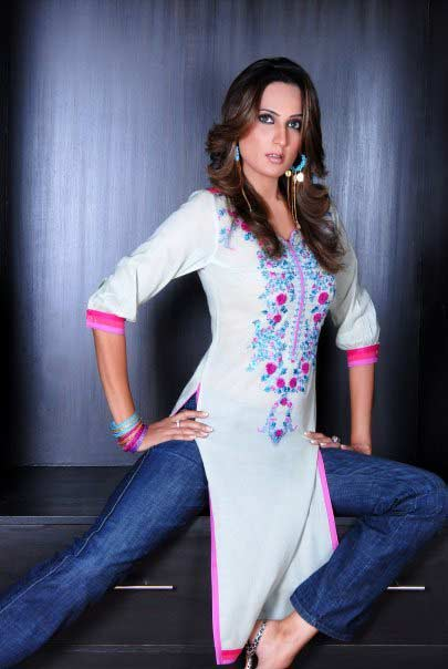 Women Kurta In Pakistan Sheclick Com