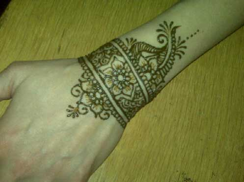 Acne In Hair >> Wrist Mehndi Designs for Girls - SheClick.com