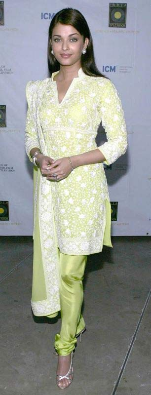 Aishwarya Rai in Salwar Kameez