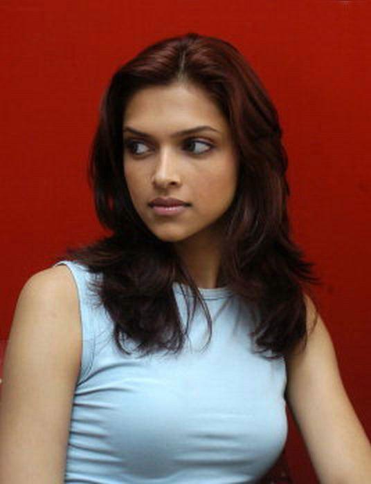 Deepika Padukone Hot Pictures Sheclick Com