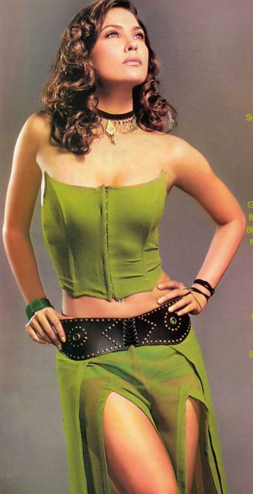 Lara Dutta Hot Pictures Sheclick Com