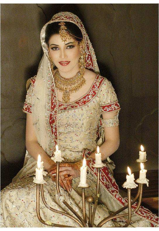 Bridal Walima Dresses for Pakistani and Indian Girls ...