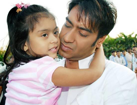 Kajol Husband And Daughter