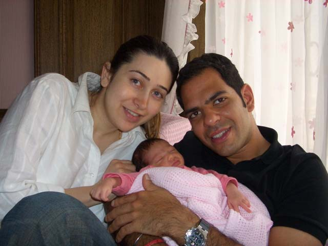 Karishma Kapoor With Husband And Daughter Sheclick Com