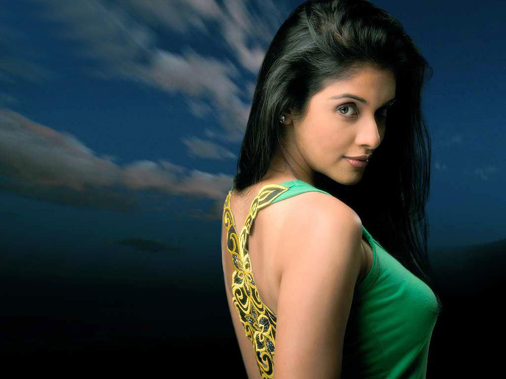 Asin Thottumkal Backless Dress Sheclick Com