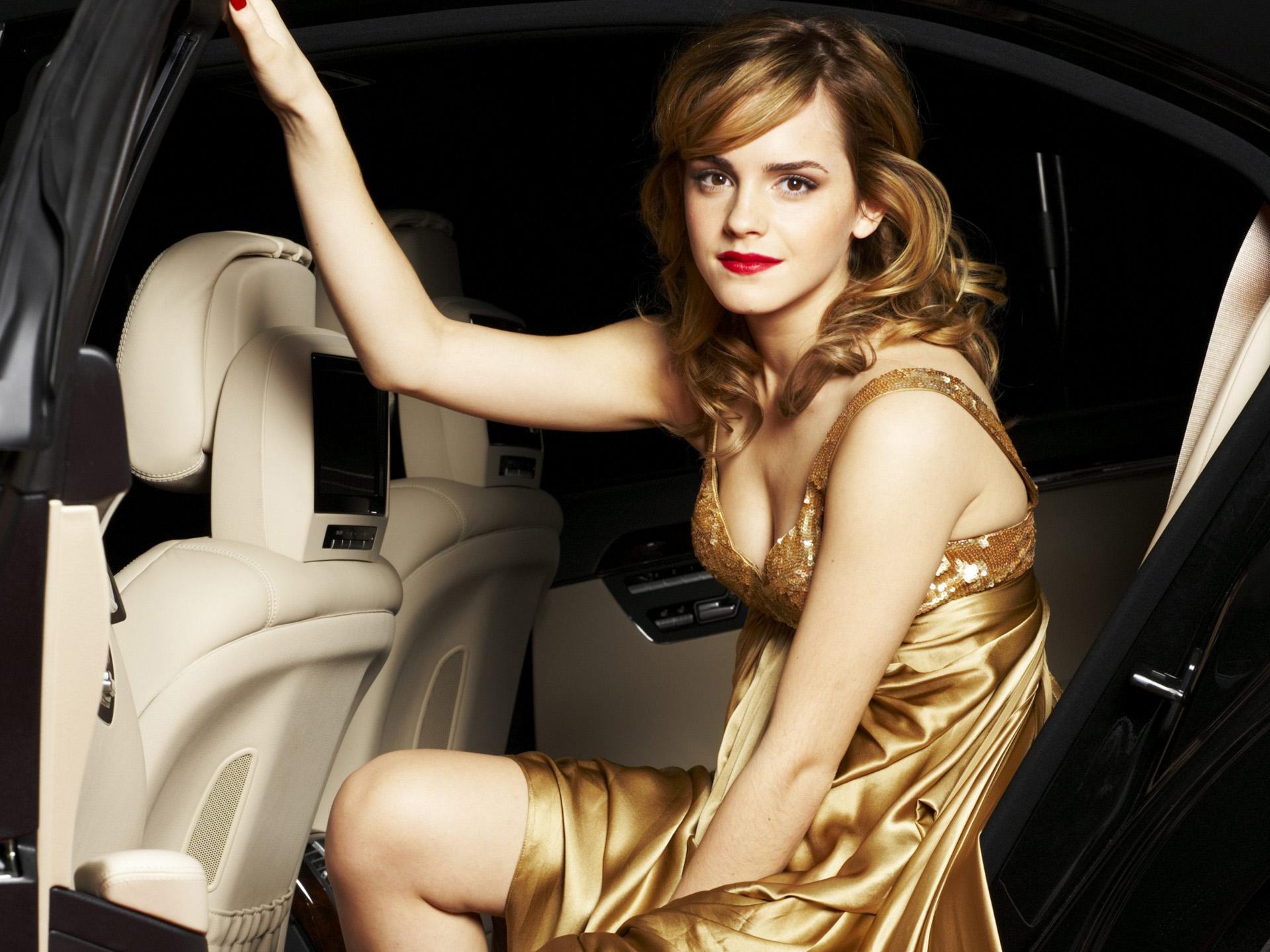 Attractive Model Emma Watson Photo Sheclick Com