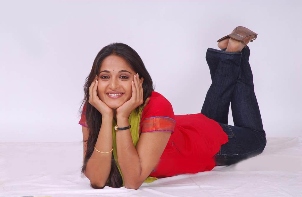 Celebrity Anushka Shetty Photo Sheclick Com