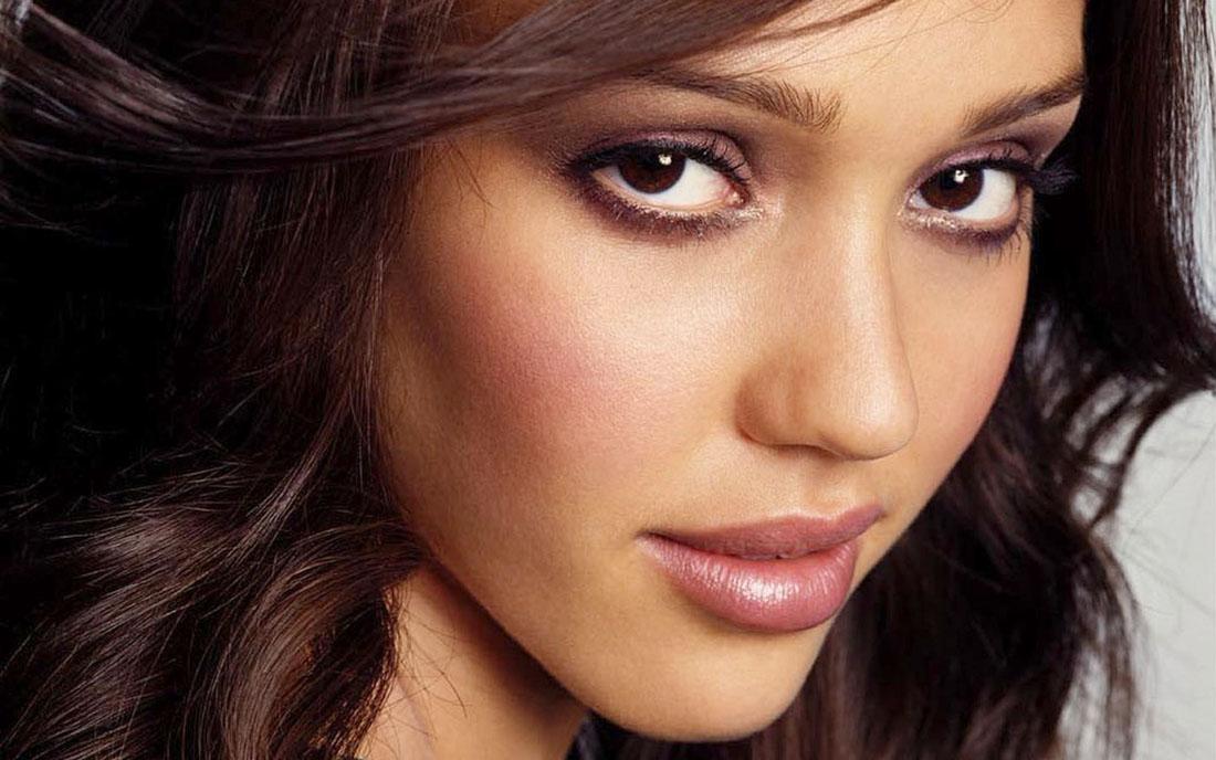 Jessica Alba Face