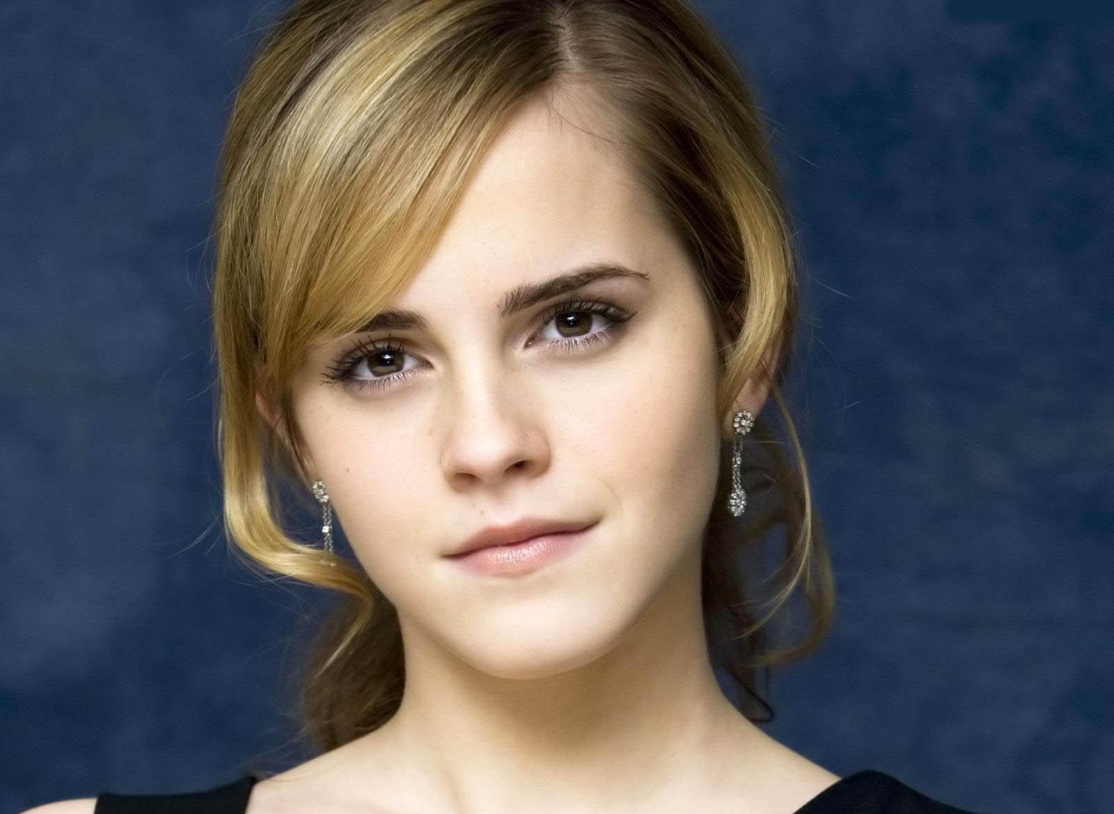 Emma Watson Best Hollywood Actress Sheclick Com