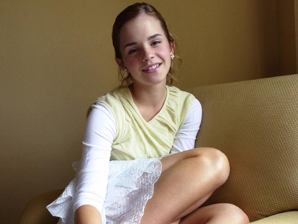 Emma Watson Childhood Photo Sheclick Com