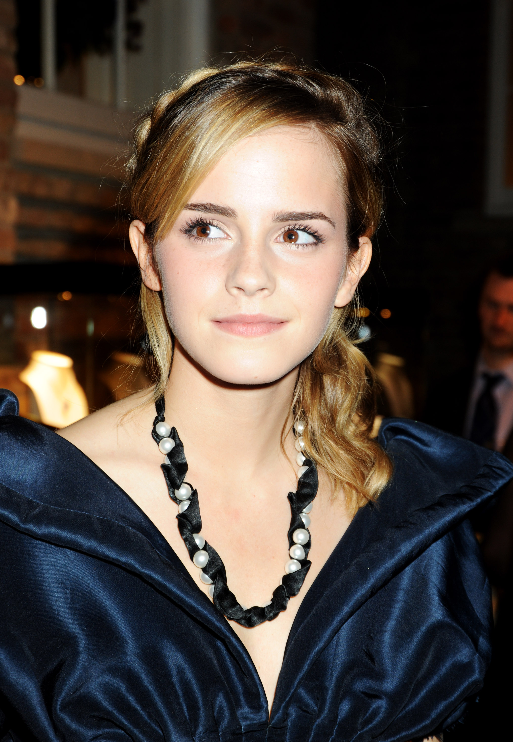 Emma Watson Dark Blue Dress Sheclick Com
