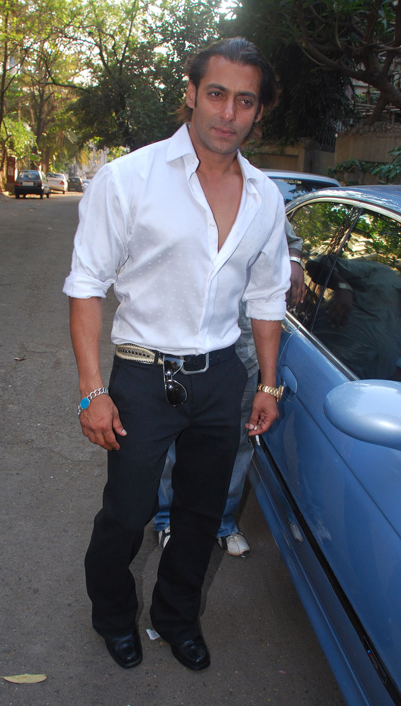 Fashionable Salman Khan Latest Car Sheclick Com