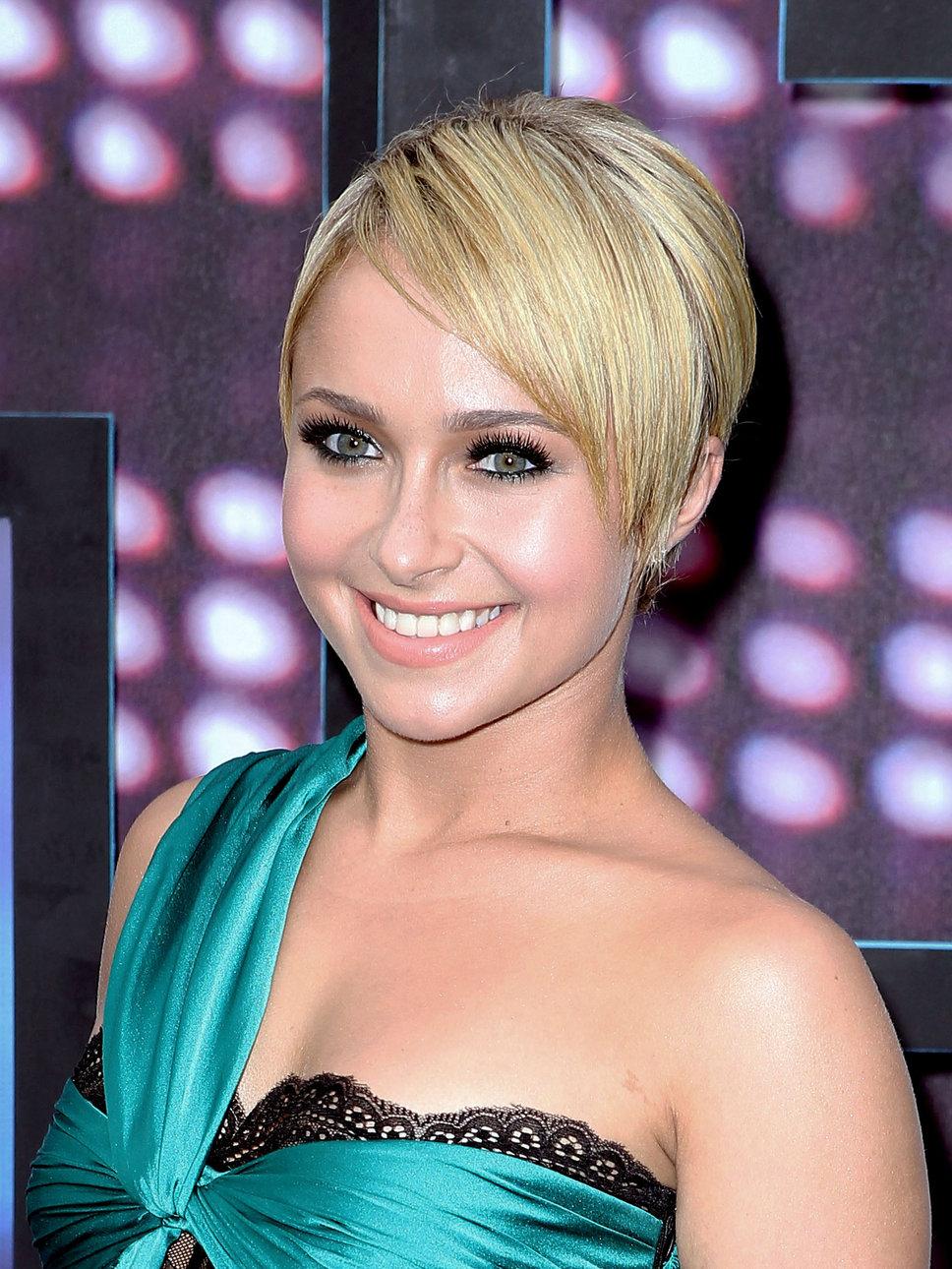 Hayden Panettiere Blonde Pixie Hairstyle Sheclick