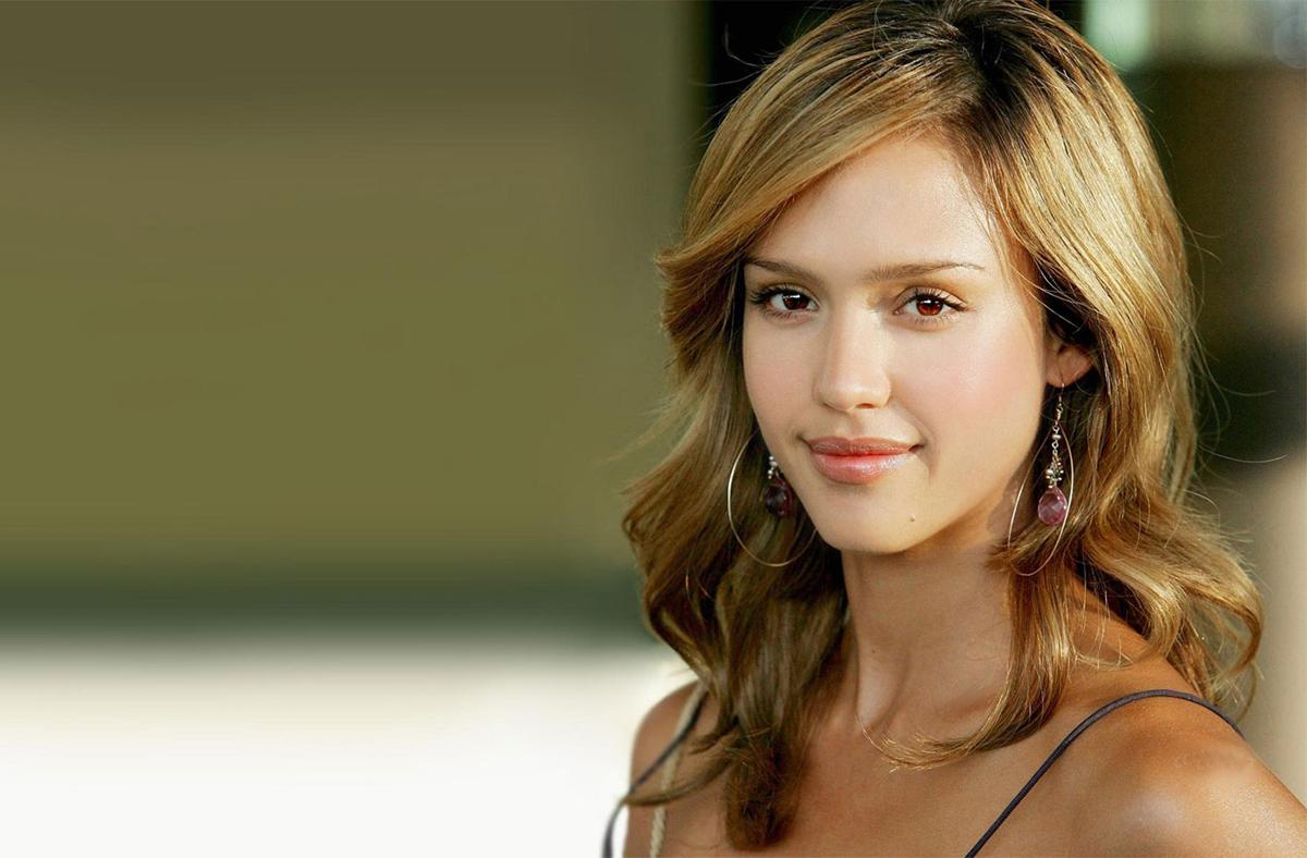 Jessica Alba Romantic Look Fhm 2007 Sheclick Com