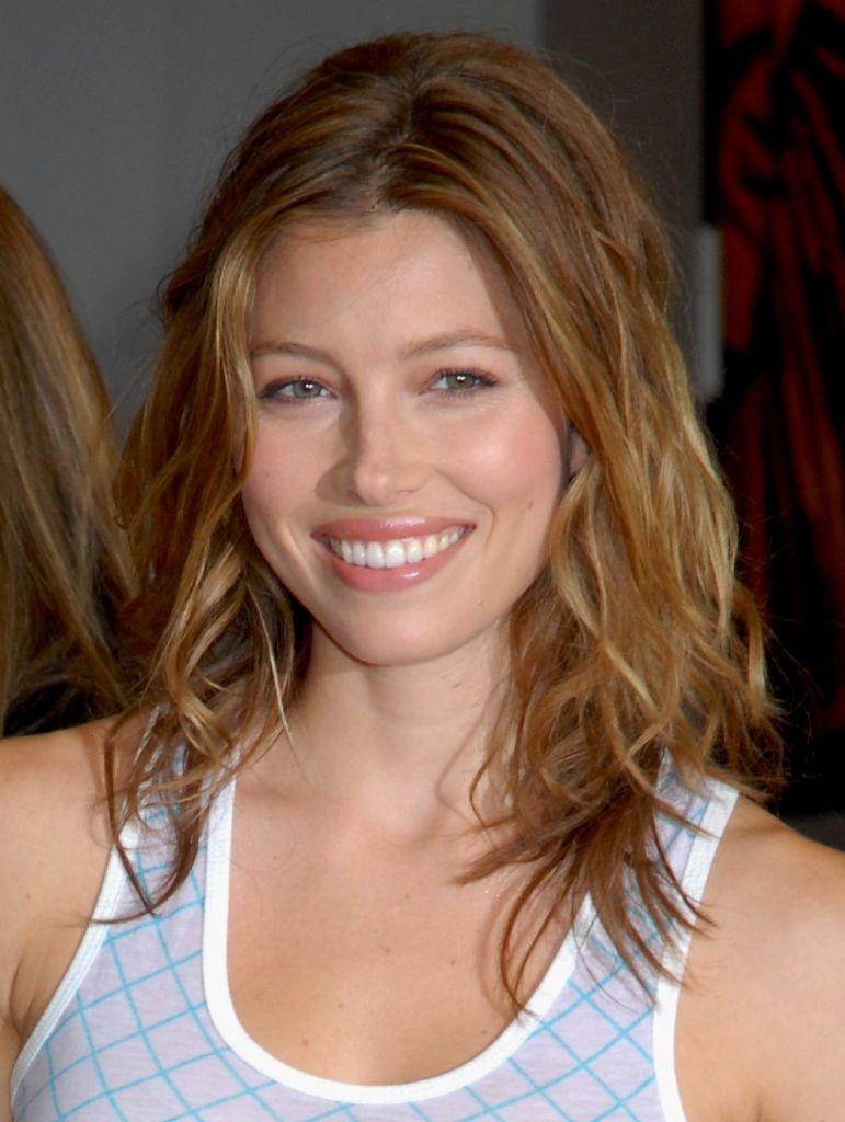 Jessica Biel Sweet Smile Sheclick Com