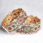 Kundan Bangle Wear with Wedding Salwar Kameez 150x150 - Kundan Bangles Jewellery and Most Wanted Designs