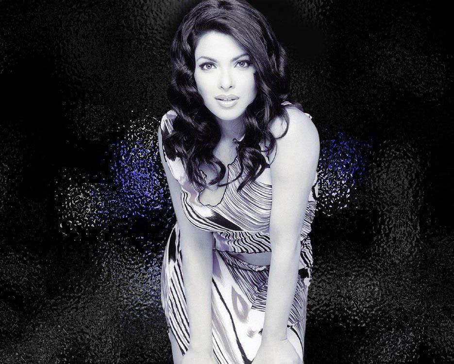 Pin Priyanka Chopra Height Weight Boyfriend Dress Hair Pictures on ...