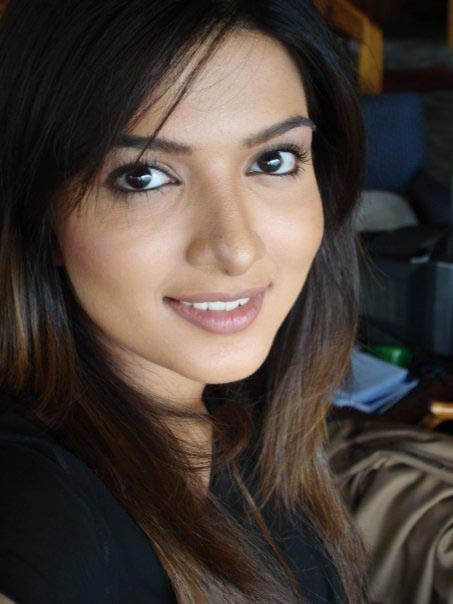 Sara Chaudhary Pakistani Actress 32 Outstanding Photos