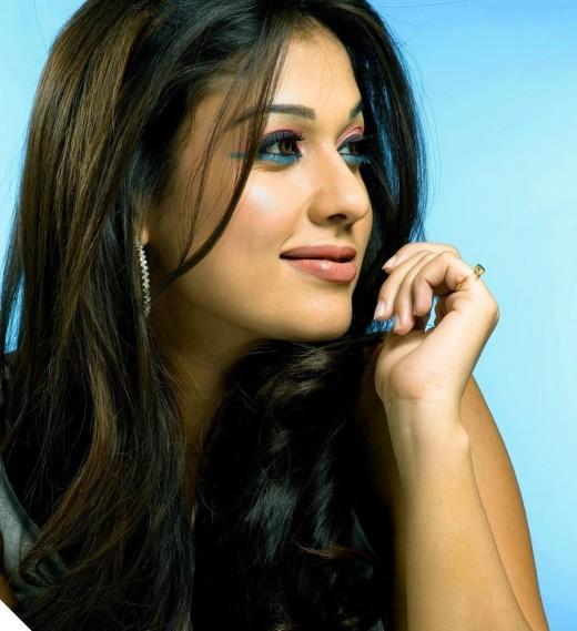 actress kareena kapoor hairstyle