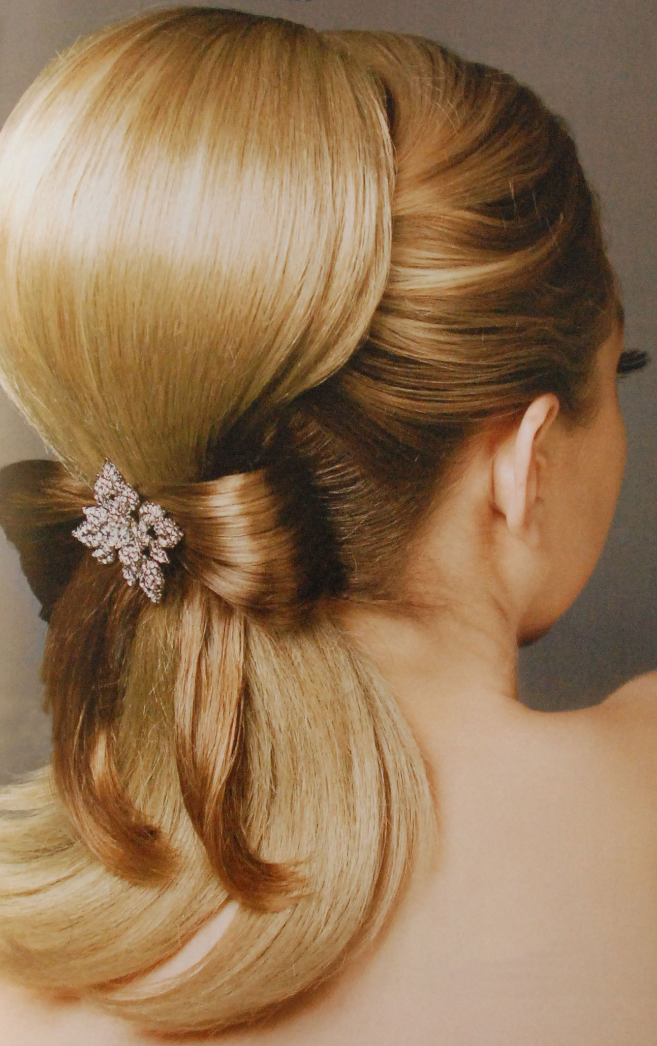 Beautiful Ponytail Hairstyle For Wedding