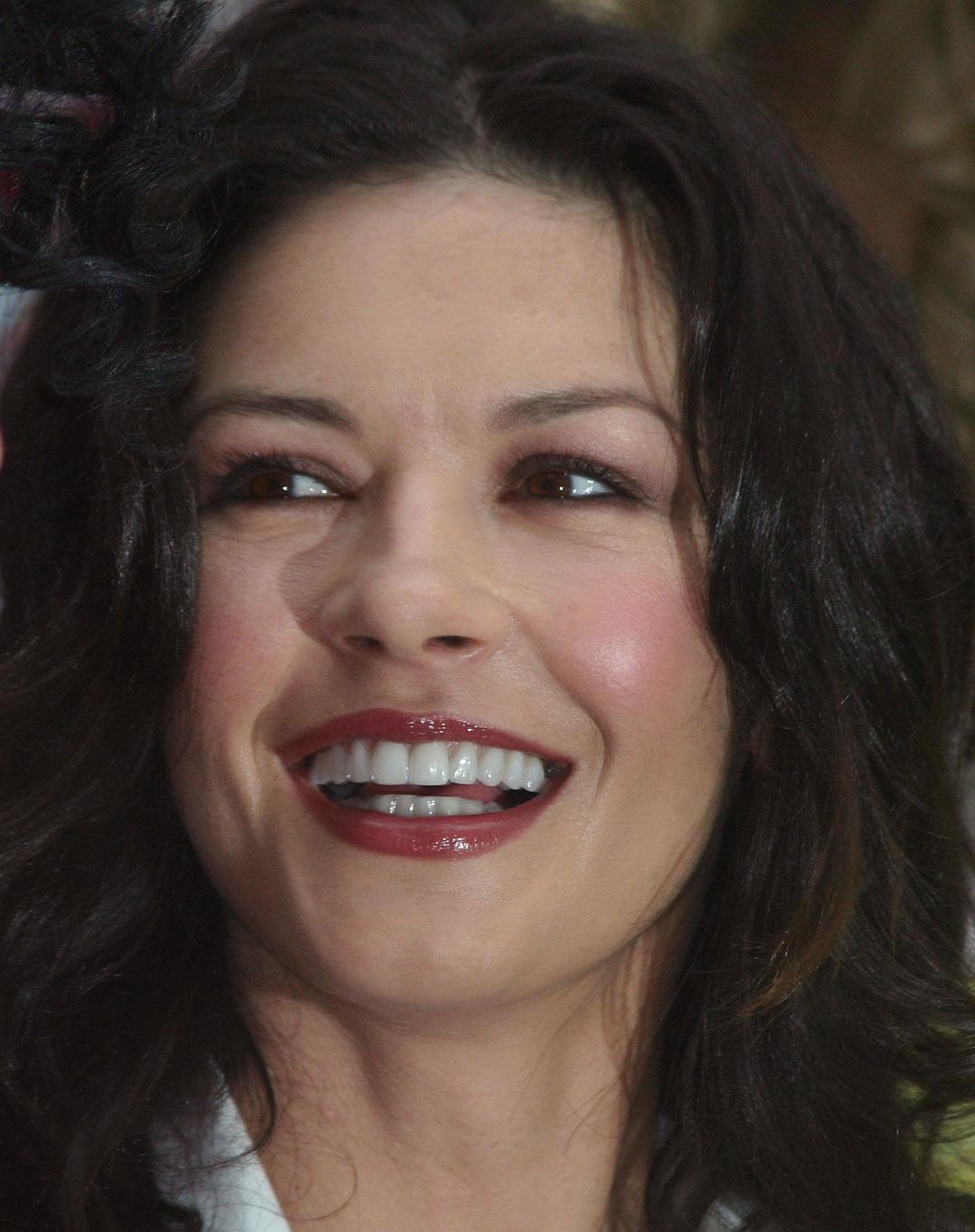 Catherine Zeta Jones Teeth Photo Sheclick Com