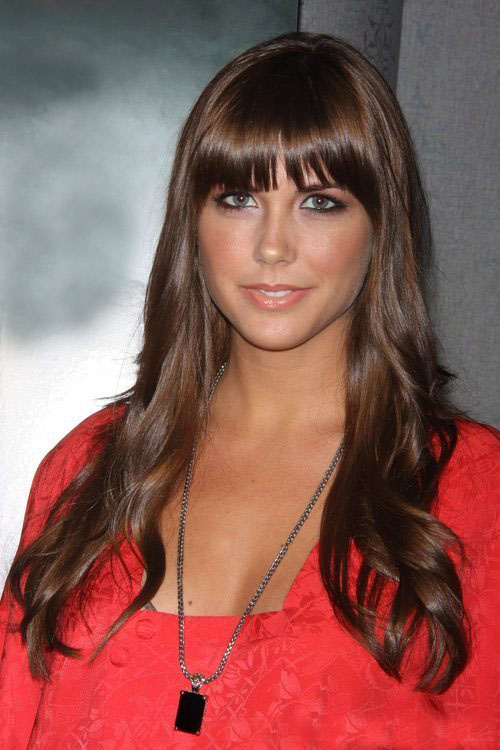 Erin Lucas Hairstyles: Latest Celebrity Hair Fashion ...