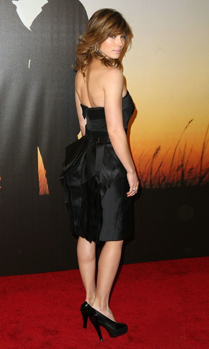Jessica Biel Backless Hot Dress Trend Sheclick Com