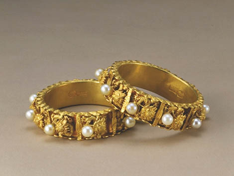 Pair of Gold Bracelets with the Design of Nine Dragons Playing with Pearls - Women Gold Bracelets For 2011 – Ultimate Designs Collection