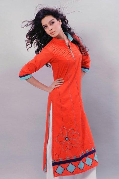 Pakistani girls Salwar Kameez