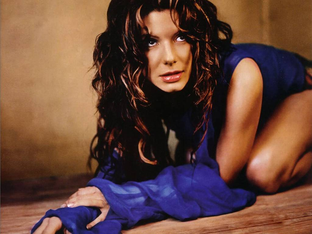 sandra bullock sexy look - photo #18