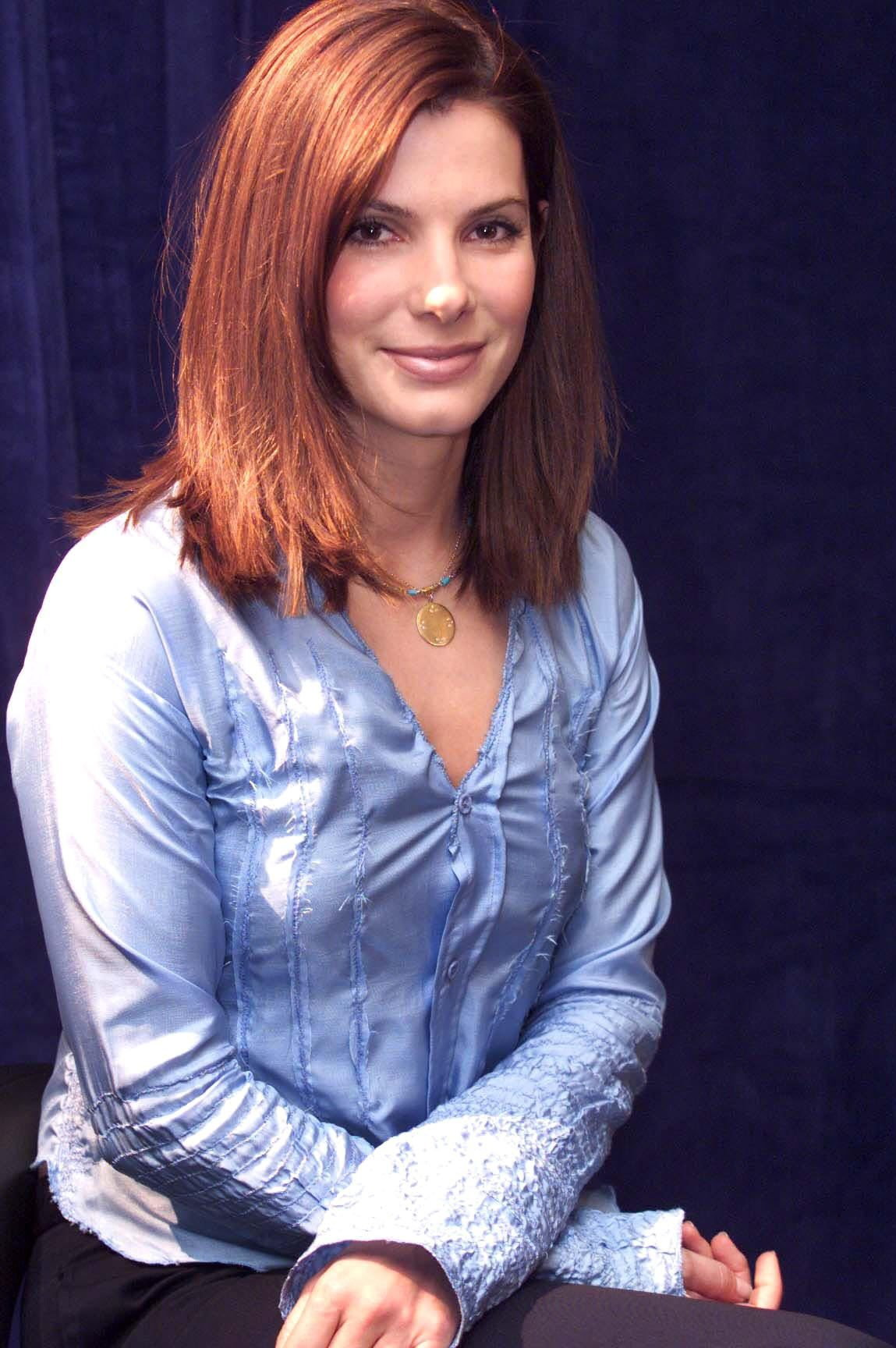 Types Of Mattresses >> Sandra Bullock Short Bob Haircut - SheClick.com