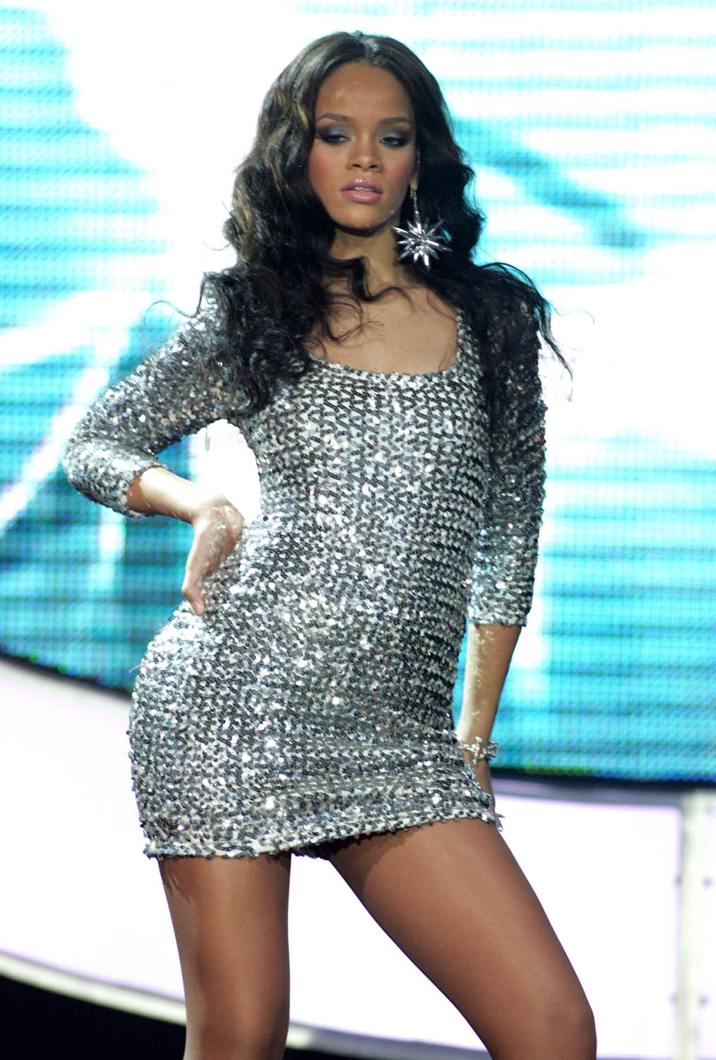 singer rihanna wears short dress