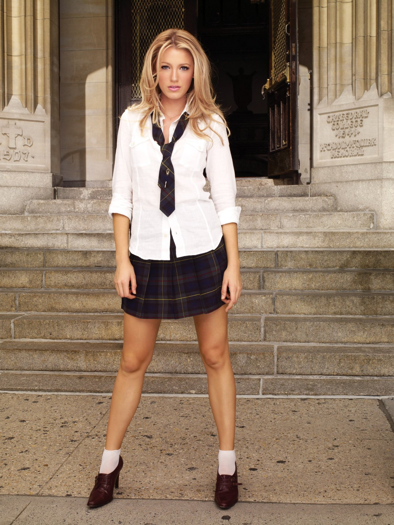 Blake Lively In School Dress Sheclick Com