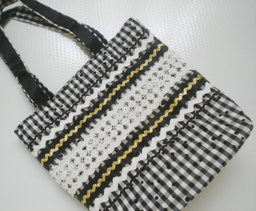 c59f152580 Black and White Handbags Ultimate Collection - SheClick.com